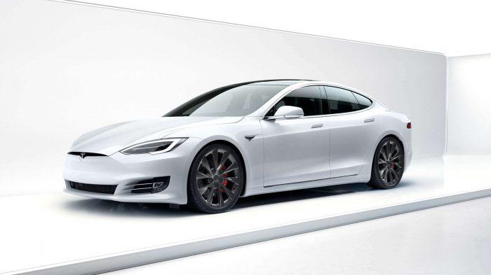 Uzlabotais Tesla Model S spēs nobraukt vairāk nekā 600 km ar vienu uzlādi