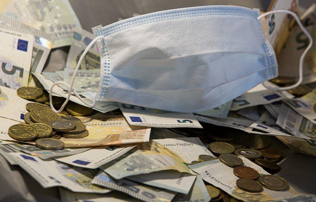 Covid-19: Sodu par epidemioloģisko normu neievērošanu paaugstina līdz 2000 eiro