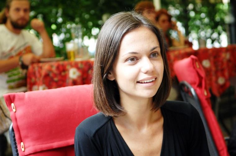 Dārta Daneviča parāda kopbildes ar Artusu Kaimiņu