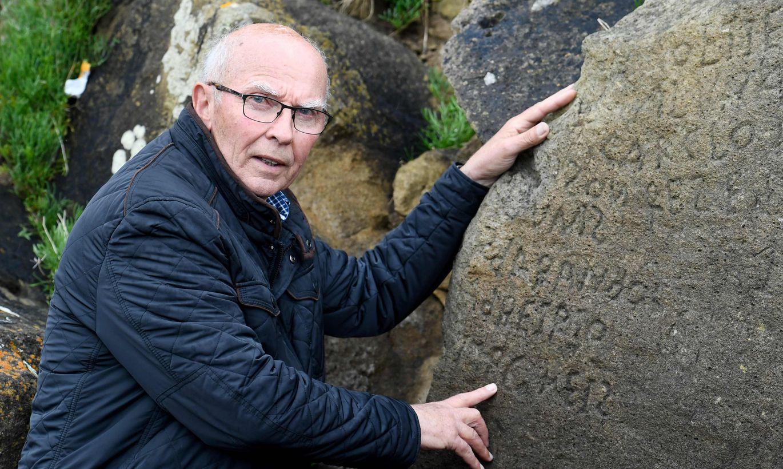 Foto: Divu gadsimtu sens klints noslēpums Francijā ir atšifrēts. Gravējuma nozīme ir visai traģiska