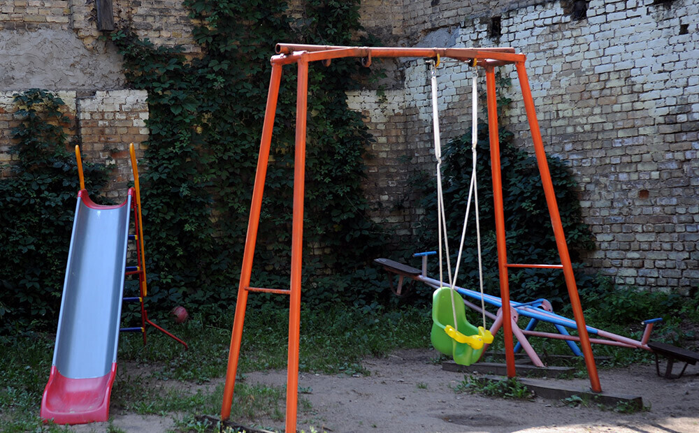 Latvijā «Covid-19» konstatē bērnam; kopumā jau 60 saslimušie