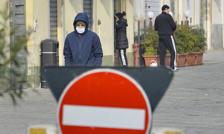 Lietuvā saistībā ar koronavīrusa draudiem ieteikts izsludināt valsts līmeņa ārkārtējo situāciju