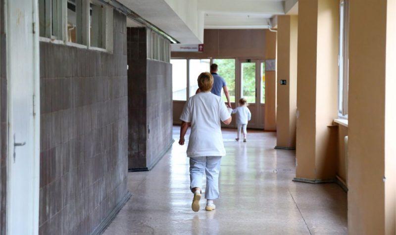 Pēc Covid-19 pacienta uzņemšanas slēgta Dobeles slimnīcas bērnu nodaļa