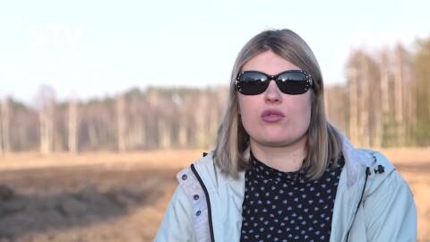 VIDEO: šovu zvaigzne Magone ielīksmo fanus ar tautisku repa dziedājumu