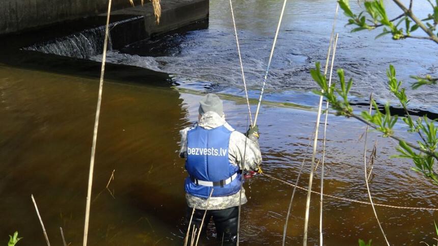 Stopiņu novadā upē atrod, iespējams, pirms pusgada mirušu vīrieti