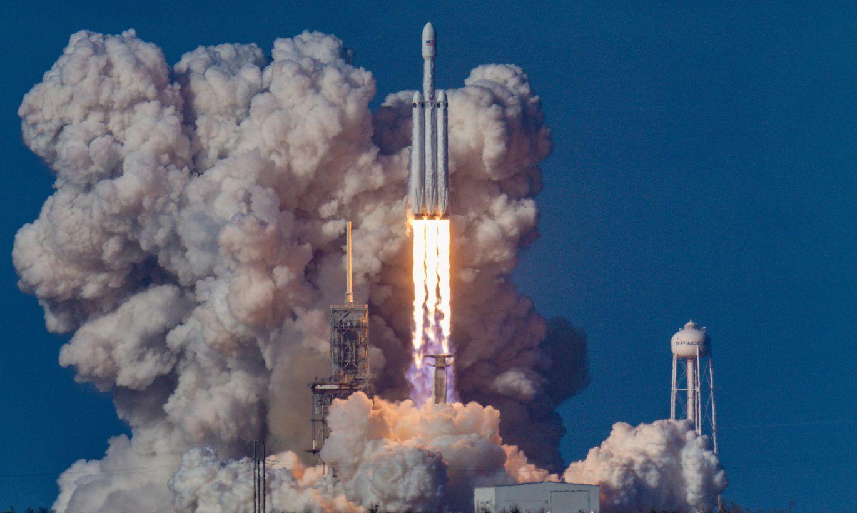 Video: cik daudz degvielas patērē kosmosa raķetes
