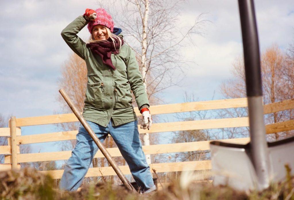 Foto: Vienas pilsētnieku ģimenes pieredzes stāsts: mazdārziņi atkal ir modē