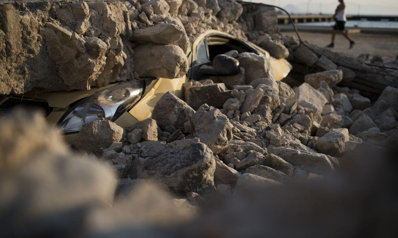 Zemestrīcē Irānas un Turcijas robežas reģionā gājuši bojā cilvēki