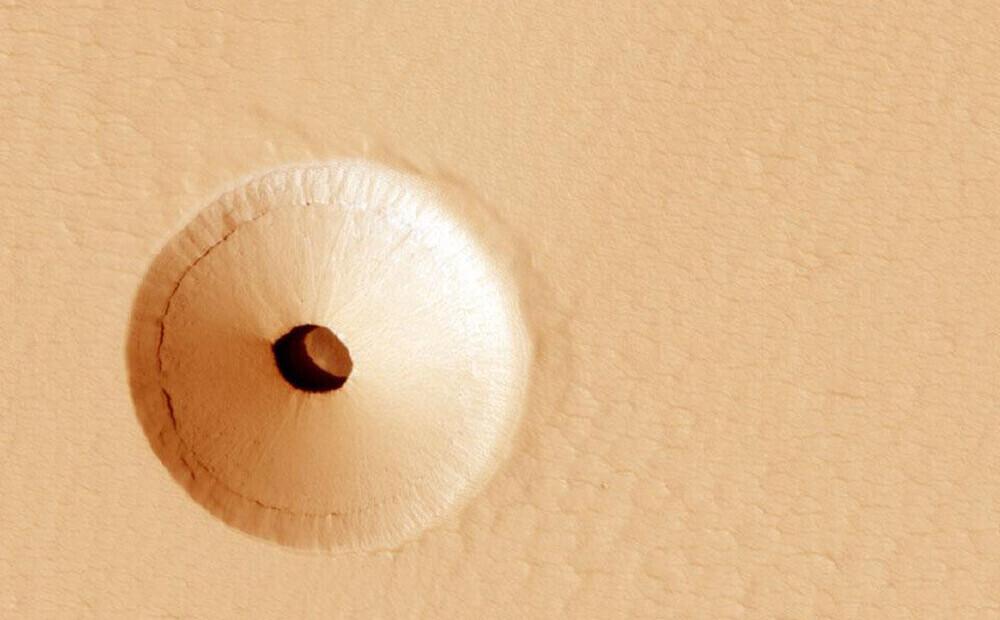 Zinātnieki uz Marsa atklājuši noslēpumainu caurumu